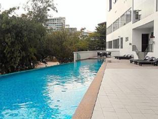 The Everly Putrajaya Hotel Kuala Lumpur - Swimming Pool