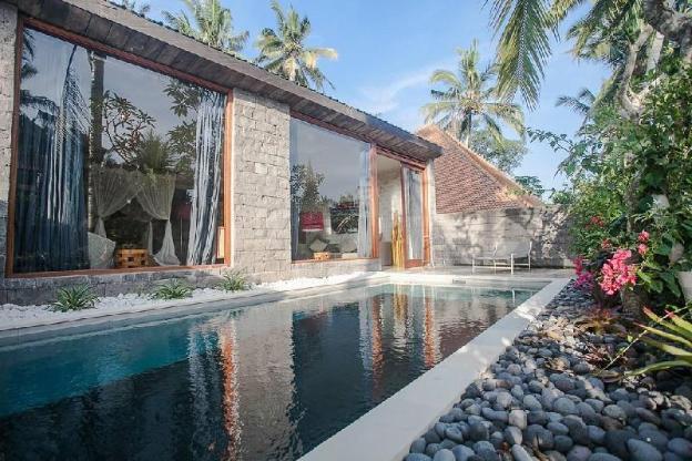 Lovely designer villa with own pool
