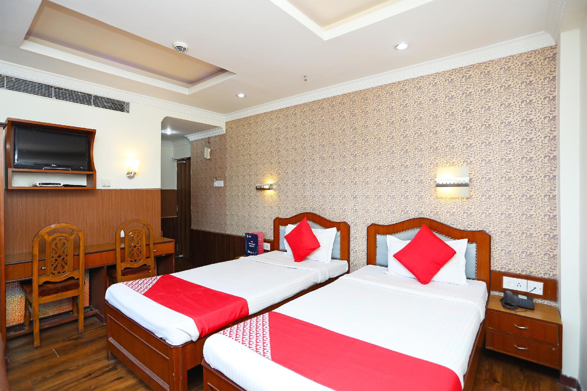 OYO 794 Hotel East Palace
