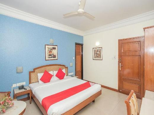 OYO 579 Hotel AAB Marathalli