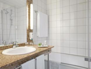 NH Berlin Alexanderplatz Berlin - Bathroom