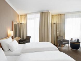 NH Berlin Alexanderplatz Berlin - Guest Room