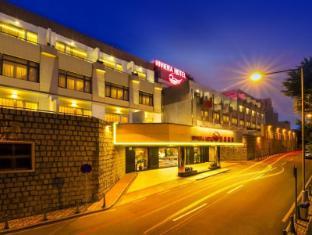 Riviera Hotel Makau - Hotel z zewnątrz