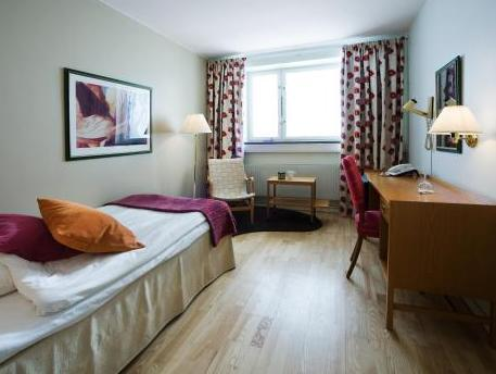 First Hotel Linn�