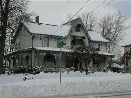 ROCKING HORSE INN   BED AND BREAKFAST