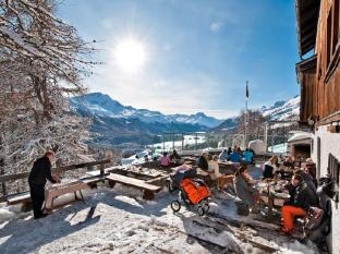 Schweizerhof Swiss Quality Hotel Saint Moritz - Pub/Ruang Rehat