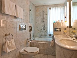 Schweizerhof Swiss Quality Hotel Санкт-Моріц - Ванна кімната