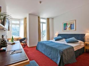 Schweizerhof Swiss Quality Hotel Saint Moritz - Bilik Tetamu