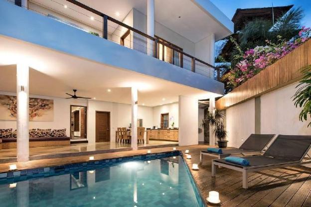 3 BR Villa- Located just 100 M From Seminyak