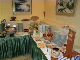Hotel Bara Budapest - Breakfast Room