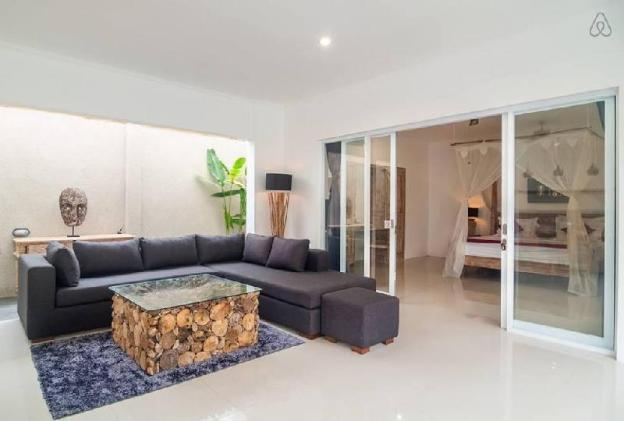 Brand new two-bedroom villa with a minimalist design in the fashionable Oberoi area