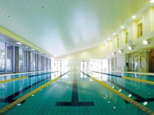 Hotel Okura Tokyo - Swimming Pool