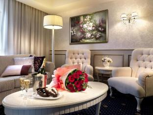 Grand Seasons Hotel Kuala Lumpur - Bridal Suite Living room