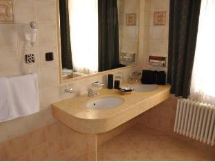 Carlton Hotel Praag - Badkamer