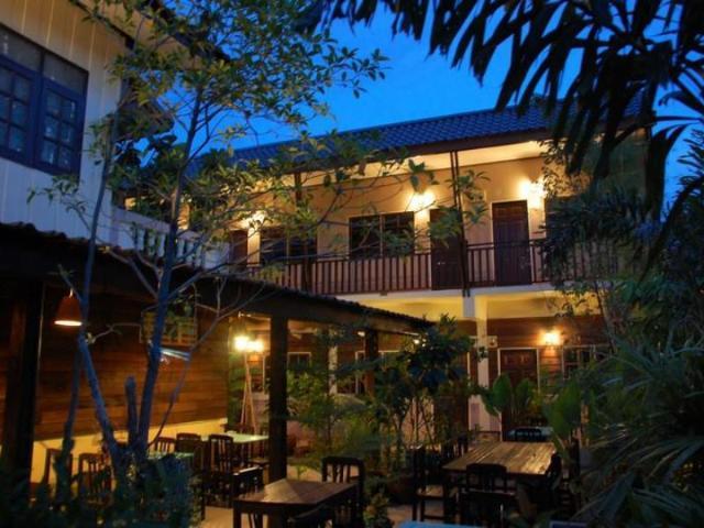 ดิ เอาท์ไซด์ อินน์ – The Outside Inn