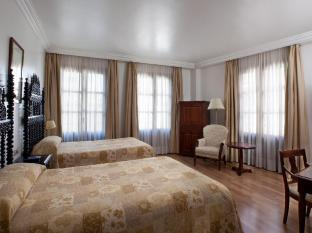 /hesperia-granada-hotel/hotel/granada-es.html?asq=vrkGgIUsL%2bbahMd1T3QaFc8vtOD6pz9C2Mlrix6aGww%3d