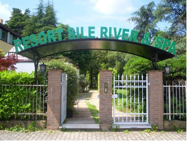 Resort Sile River