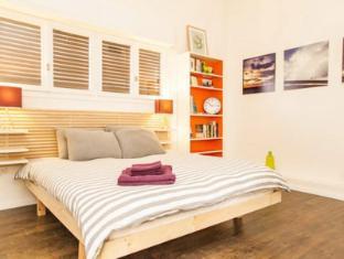 /sl-si/bnbtlv-holiday-rentals-apartment/hotel/tel-aviv-il.html?asq=vrkGgIUsL%2bbahMd1T3QaFc8vtOD6pz9C2Mlrix6aGww%3d