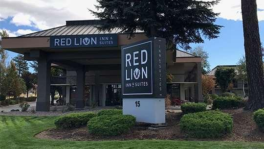 Red Lion Inn And Suites Deschutes Bend