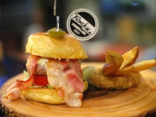 Raming Lodge Hotel Chiang Mai - Rock Me Burger