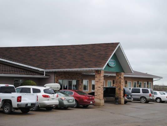 Moosomin Country Squire Inn