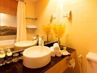 Liberty 2 Hotel Ho Chi Minh City - Bathroom