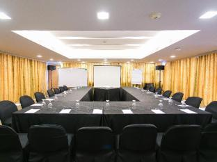 The Linden Suites Manila - Meeting Room