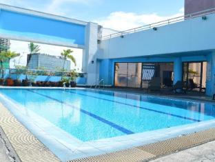 Prince Plaza II Condotel Manila - Swimming Pool