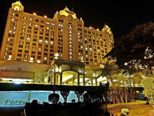 Waterfront Cebu City Hotel and Casino Cebu Stadt - Hotel Aussenansicht