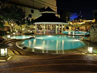 Waterfront Cebu City Hotel and Casino Mesto Cebu - bazen