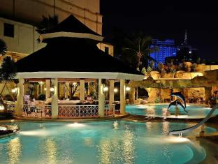 Waterfront Cebu City Hotel and Casino Cebu City - Pool