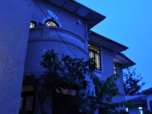 Cheriton Residencies