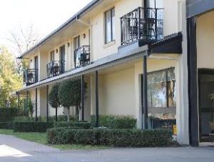 大道汽车旅馆 (Boulevard Motor Inn)