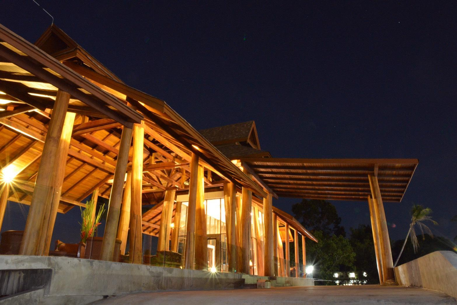 Chaweng Blue Lagoon The Teak Wing