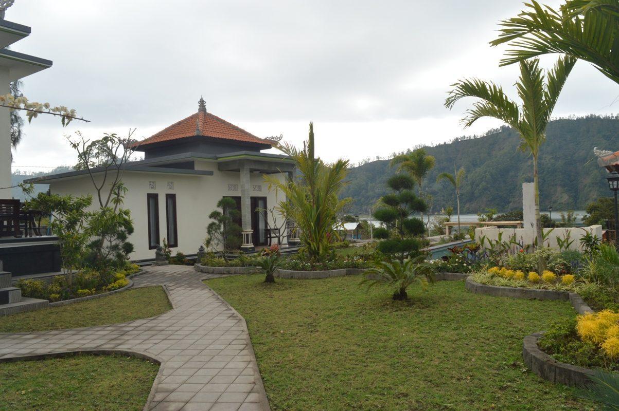 1 Villa Jempana Kintamani  Front Lake Double Room
