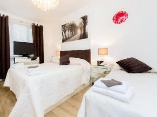 Apartment Doreens Luxury Lets