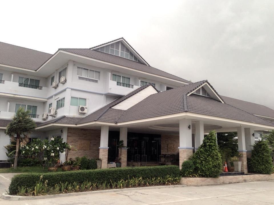 Thanintorn Greenpark Hotel