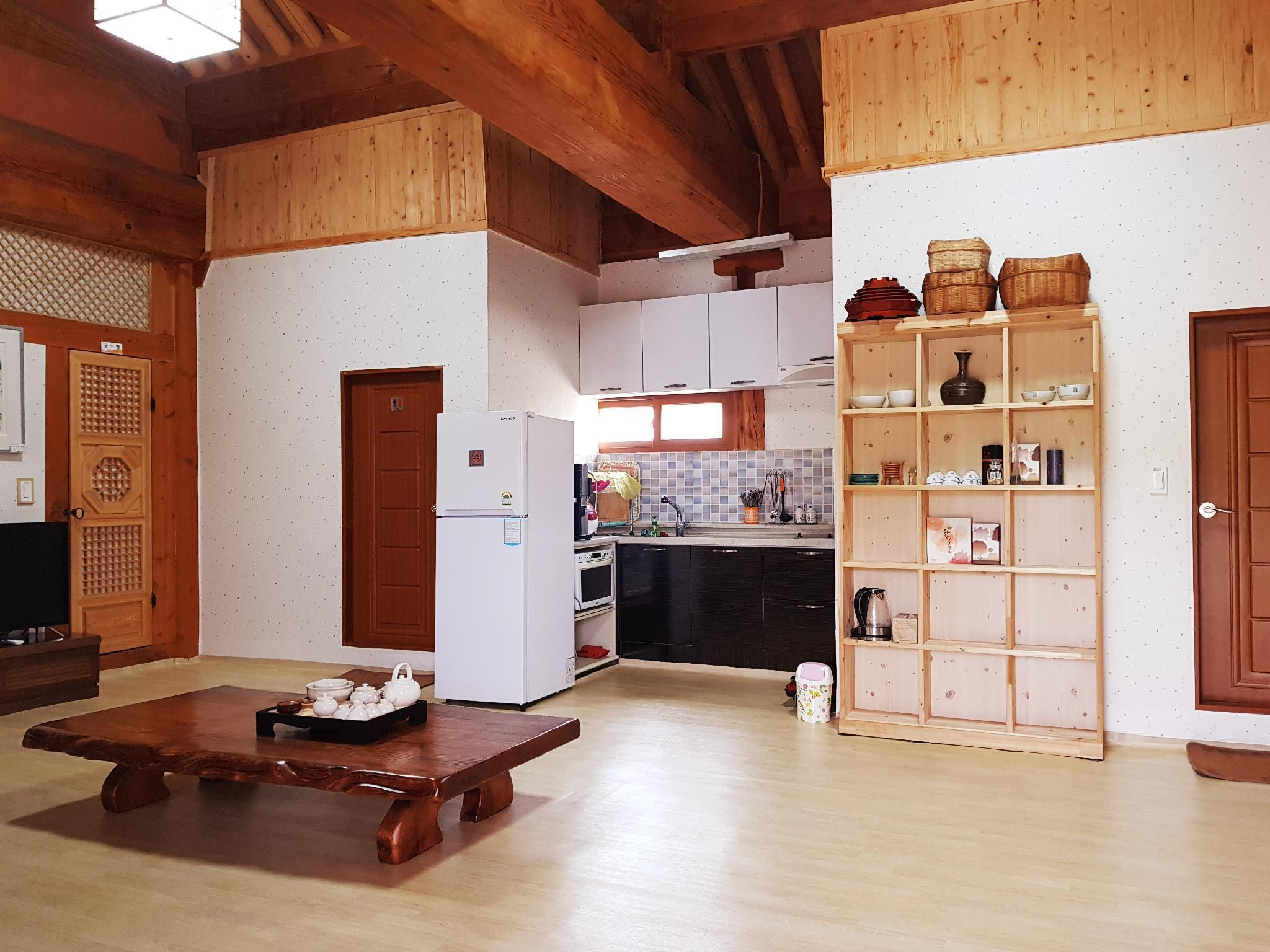 Sujin Hanok Pension unshared house
