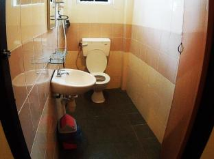 Hotel 48 Room-for-Rent Kuching - Bathroom