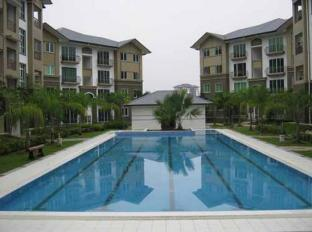 Eden Staycation Apartment Kuching - Swimming Pool