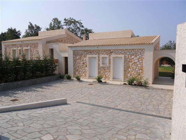Villa Poulades