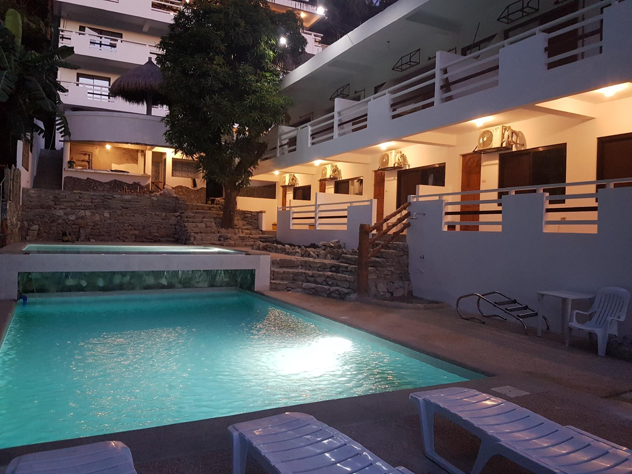Jalyns Resort Apartments And Restaurant