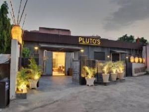 Hotel Pluto's
