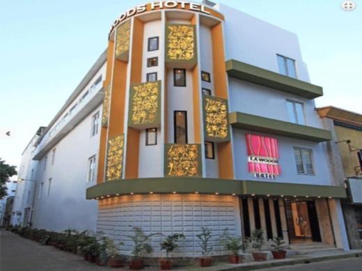 La Woods Hotel - Close to LIC Building
