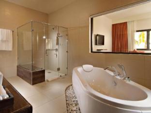 South Palms Resort Panglao Island - Bathroom