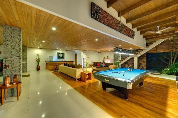 5 BR Luxury Vacation Villa by the beach, Seminyak