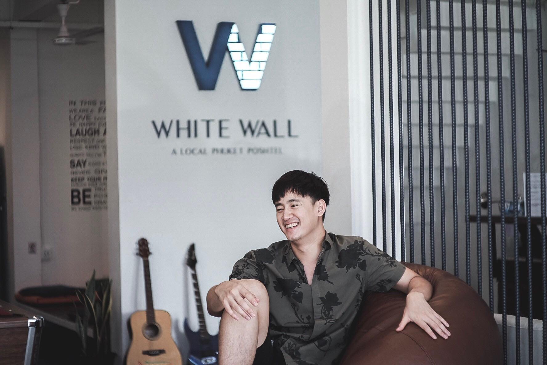 White Wall Poshtel Phuket