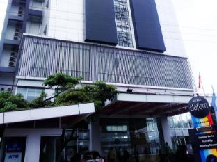 /sv-se/hotel-dafam-pekanbaru/hotel/pekanbaru-id.html?asq=jGXBHFvRg5Z51Emf%2fbXG4w%3d%3d