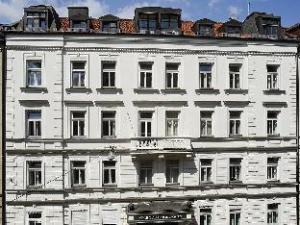 多尔曼豪华酒店 (Hotel Splendid-Dollmann)
