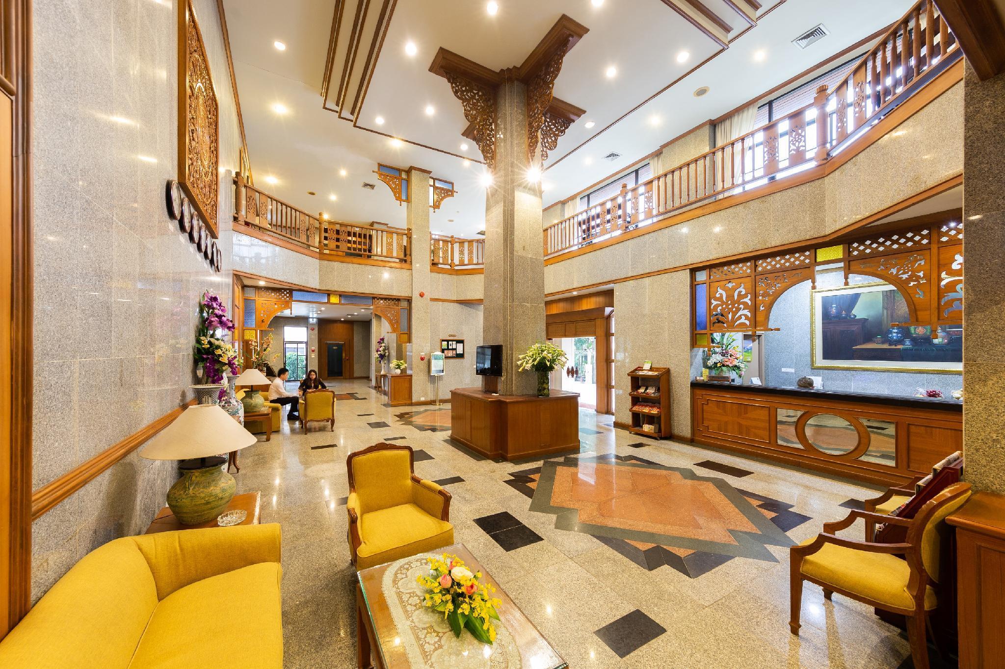 Oriental Palace Apartment